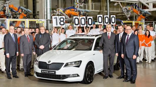 VW-Tochtermarke Skoda boomt: 2016 feierten die Tschechen den 18-millionsten Skoda, der seit Gründung der Marke produziert worden ist - Jubiläumsauto war ein Superb Combi
