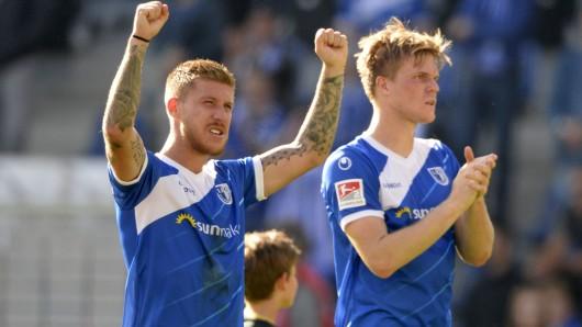 Geschafft! Einen Punkt hat der 1. FC Magdeburg im Ost-Duell gegen Dynamo Dresden gerettet. Philip Türpitz (l.) und Marius Bülter jubeln.