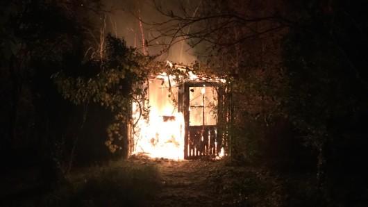 20 Einsatzkräfte mussten das Feuer löschen.