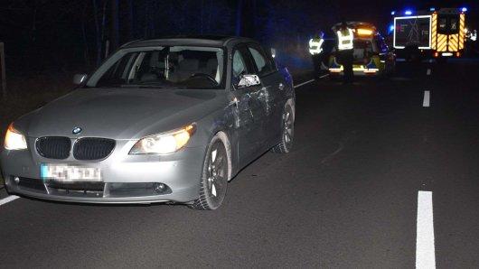 Der Fahrer des BMW wurde bei dem Unfall am Morgen leicht verletzt.