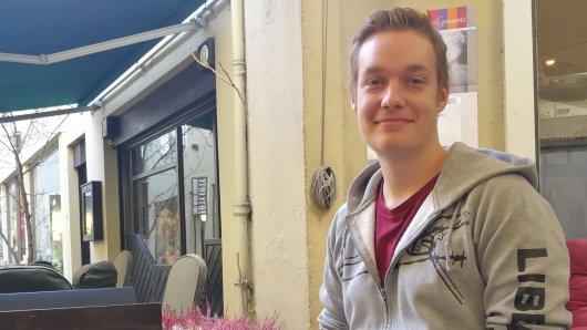 Der Student Jannis Große ist häufig als Fotograf auf Demonstrationen unterwegs - dabei fühlt er sich nicht immer ganz wohl.