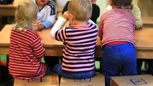 Vor allem Zweijährige gehen in Niedersachsen in die Krippe (Symbolbild).