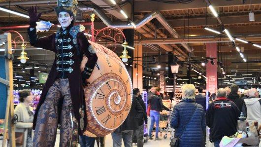 Der Zirkus Roncalli begleitet die Markthalle in den ersten Tagen der Eröffnung und lädt zur Zirkusshow ein.