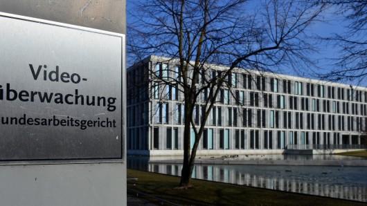 Das Bundesarbeitsgericht Erfurt wird voraussichtlich am 15. November darüber entscheiden, ob Volkswagen einem salafistischen Mitarbeiter wegen Sicherheitsbedenken kündigen darf (Archivfoto).