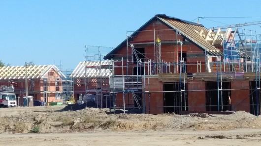 Überall in der Region38 wird derzeit fleißig gebaut (Symbolbild).