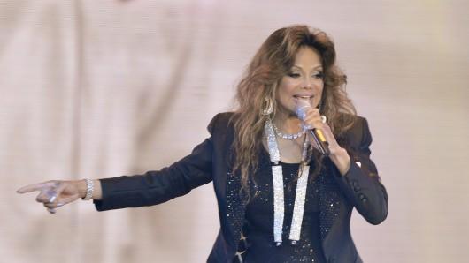 La Toya Jackson stellt am Montag die Show Forever - King of Pop in Hannover vor.
