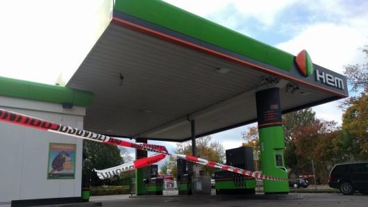 Diese Tankstelle hat ein Unbekannter am Samstagmorgen überfallen.