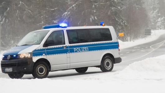 Wer in den Oberharz will, sollte unbedingt Winterreifen auf dem Auto haben. Lastwagen empfiehlt die Polizei Braunschweig sogar, den gesamten Oberharz weiträumig zu umfahren (Archivfoto).