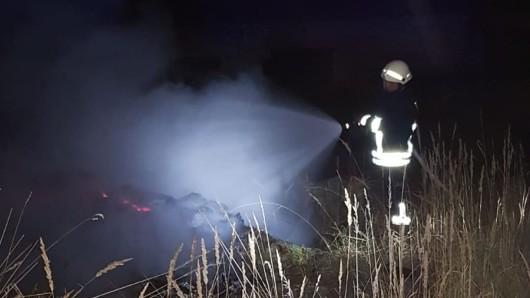 Der Unrat wurde durch einen Funken in Brand gesetzt.