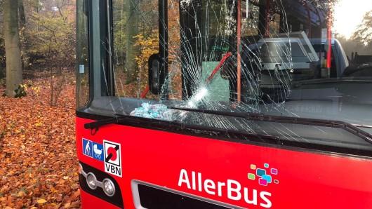 Die Kinder wurden anschließend mit einem Ersatzbus  zur Schule gebracht.