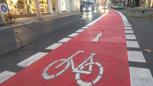 Die Gördelingerstraße ist rot geworden.