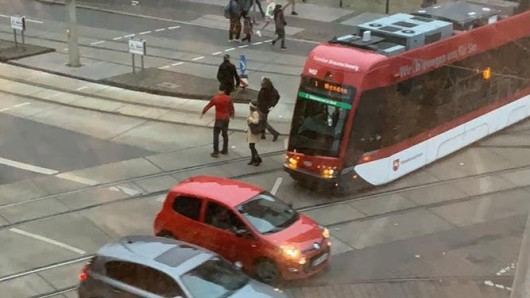 Am Morgen ist am Hagenmarkt eine Straßenbahn entgleist.
