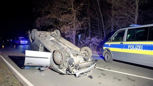 Der Fahrer wurde in ein Braunschweiger Krankenhaus gebracht.