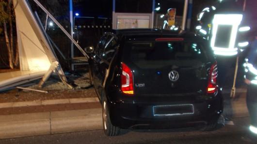 Drei Menschen wurden bei dem Unfall verletzt. (Symbolbild)