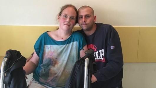Maike aus Braunschweig wird nach Bad Fallingbostel verlegt. Um an den Wochenenden ihre drei Kinder sehen zu können, braucht sie dringend Unterstützung.