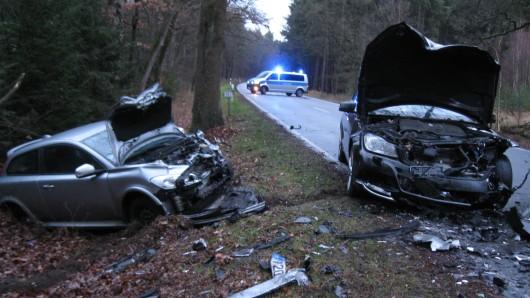Der Unfallfahrer wurde bei dem Unfall lebensgefährlich verletzt.