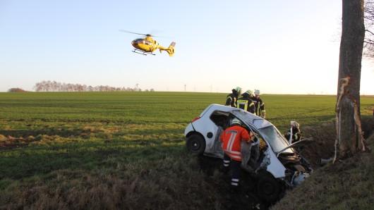 Die Frau wurde mit einem Rettungswagen ins Krankenhaus nach Hildesheim gebracht.