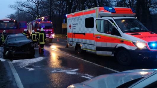 Am Montag waren ein Auto und ein Lkw zusammen gestoßen.