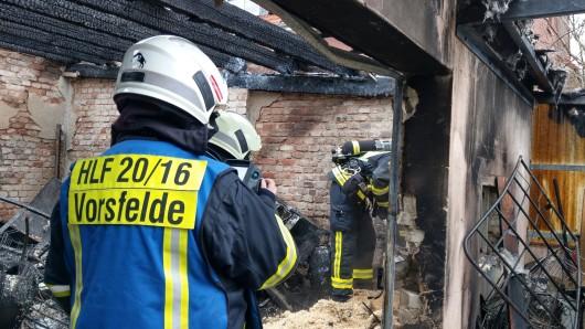 Auch am Tag nach dem Brand musste die Feuerwehr noch mal anrücken.