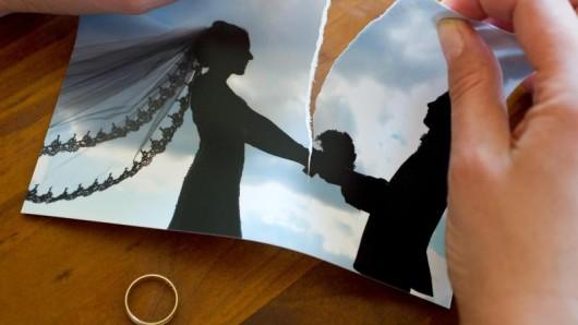 Die Polizei nahm auf Mallorca eine gesamte Hochzeitsgesellschaft inklusive Braut und Trauzeugen fest.