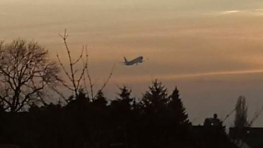 Immer wieder startete und landete die Boeing in Braunschweig.
