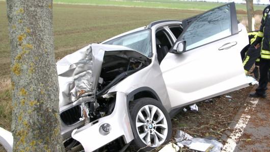 Die Fahrerin wurde bei dem Unfall lebensgefährlich verletzt.