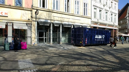 In der ehemaligen Starbucks-Filiale am Kohlmarkt in Braunschweig läuft der Rückbau.