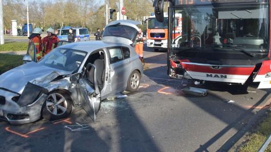 Der Fahrer wurde in seinem Auto eingeschlossen.