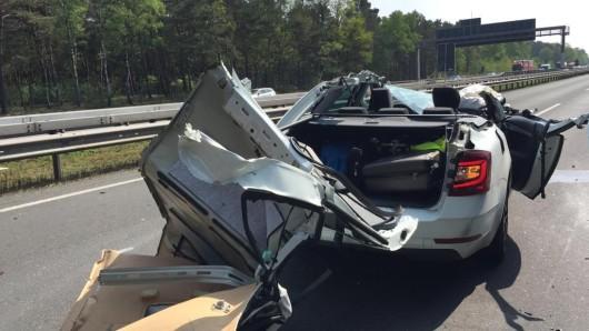 Wie durch ein Wunder wurde der Fahrer des Wagens nur leicht verletzt.