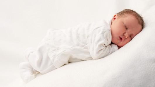 Emilia Unverhau wurde am 29. April um 18.52 Uhr in der Helios St. Marienberg Klinik in Helmstedt geboren. Sie ist 51 cm groß und wiegt 4.020 Gramm. Ihre Eltern sind Ramona Unverhau-Riedel und Alexander Unverhau.