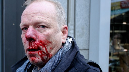 Demo: Der Journalist zeigte sich wenig schockiert von der Tat als solche.