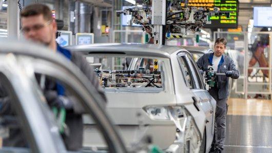 Ab Oktober kommt auf die Mitarbeiter im Werk Wolfsburg eine Veränderung zu.