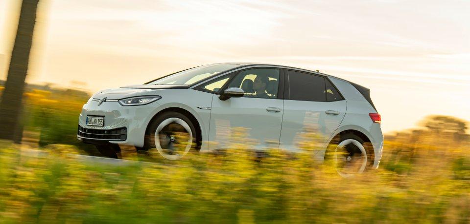 Wincent Weiss fährt mit dem VW ID.3 quer durch Deutschland.