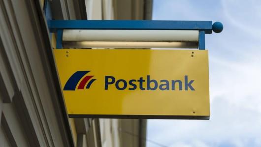 Die Postbank-Filiale in Braunschweig am Nibelungenplatz ist geschlossen. (Symbolbild)