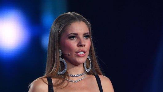 Let's Dance: Moderatorin Victoria Swarovski ist sauer.