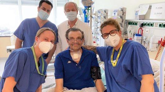Das Team der Weaning-Station in Helmstedt verabschiedet sich von ehemaligem Corona-Patienten Christian.