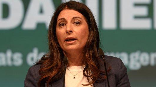 VW-Betriebsratschefin Daniela Cavallo blickt sorgenvoll in den Norden... (Archivbild)