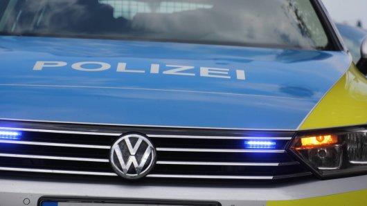 Ein Autofahrer hat sich auf der A2 eine Verfolgungsfahrt mit der Polizei geliefert. Erst in NRW war Schluss mit lustig. (Symbolbild)