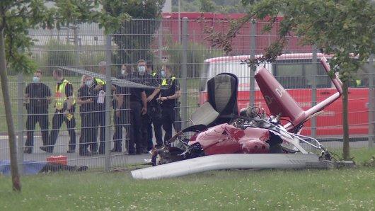 Zwei Menschen sind bei dem Absturz einer Ultraleichtflugzeugs in Hildesheim verstorben.