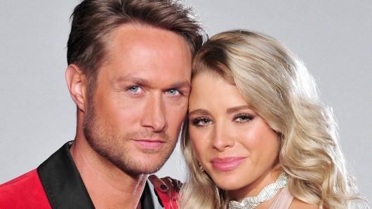 Model und Sänger Nico Schwanz (39) und Ex-_Bachelor_-Kandidatin Saskia Atzerodt (25)