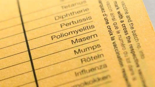 Im Gesundheitsamt liegt ein Impfpass in dem die Krankheiten Tetanus, Diphterie, Pertussis, Poliomyelitis, Masern, Mumps, Röteln und Influenza aufgelistet sind.