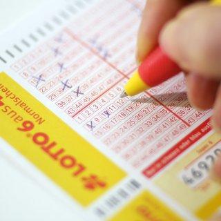 Zehn Lotto-Millionäre gab es im ersten Halbjahr 2019 bereits in Niedersachsen. (Symbolbild)