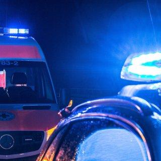 Am frühen Samstagmorgen ist ein 17-Jähriger in Braunschweig von einem Auto erfasst worden. (Symbolbild)