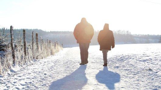 Wetter in Niedersachsen: Die Temperaturen gehen runter. Doch gibt es auch Schnee? Wir haben einen Wetter-Experten gefragt. (Symbolbild)