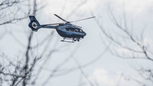 Ein Helikopter auf der Suche nach einem Vermissten (Symbolfoto).