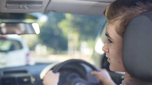 Die Spritztour für den 16-Jährigen ohne Führerschein endete in Bayern. (Symbolbild)