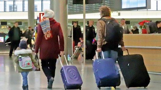 Reisende gaben am Flughafen Hannover  ihre Autoschlüssel ab – das sollten sie bitter bereuen.