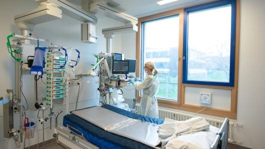 In Zeiten des Coronavirus ziehen alle an einem Strang. Doch Krankenpfleger schlagen jetzt Alarm! (Symbolbild)