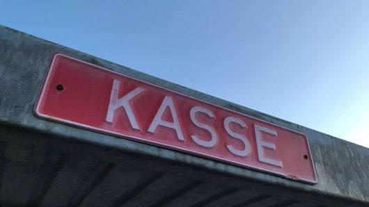 Niedersachsen: Eine 15-Jährige wollte in einem Kassenhäuschen chillen (Symbolbild).