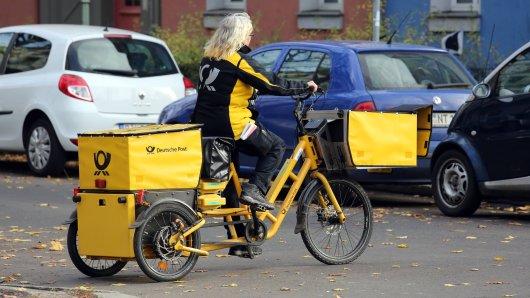 Einer DHL-Botin in Niedersachsen ist ein Missgeschick passiert (Symbolbild)